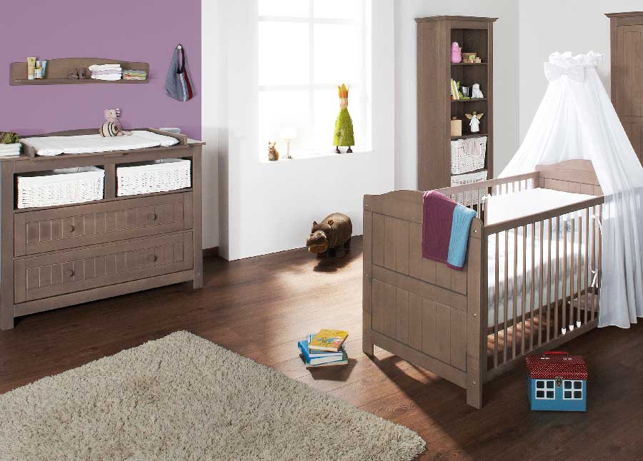 chambre b b lit et commode jelka en pin massif couleur taupe pinolino. Black Bedroom Furniture Sets. Home Design Ideas