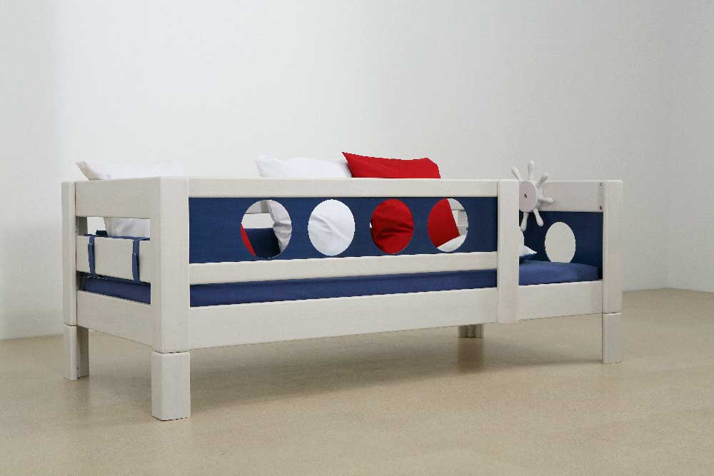 lit enfant pirate 90x200 cm en h tre massif collection. Black Bedroom Furniture Sets. Home Design Ideas